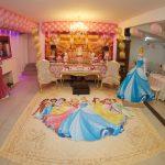 Princesas da Disney são sempre temas de decoração de festa infantil